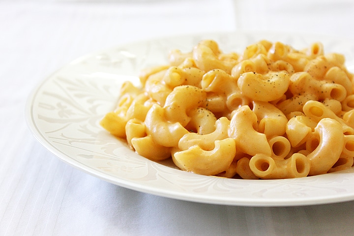 side shot fiery macaroni and cheese