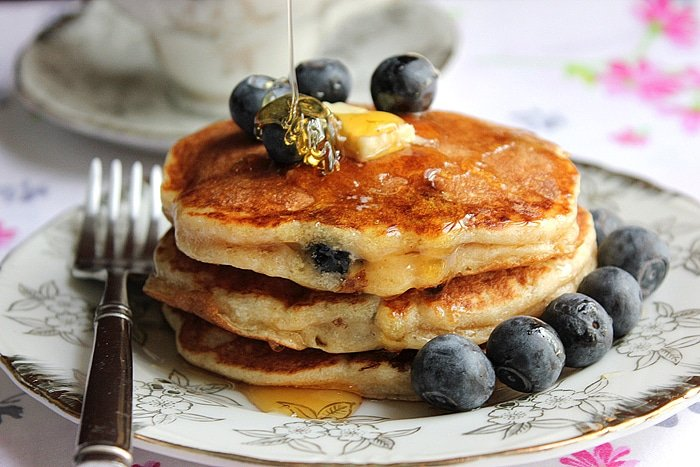 Yogurt blueberry pancake souffl low calorie munaty cooking yogurt blueberry pancake 4 ccuart