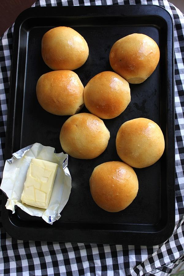 dinner rolls 8