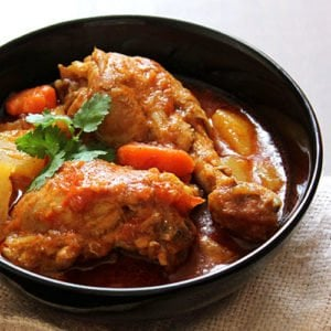 Chicken stew. Hearty and healthy chicken stew, can be served with rice or bread. Is a popular scrumptious Arabian dish. www.munatycooking.com | @munatycooking #chickenstew