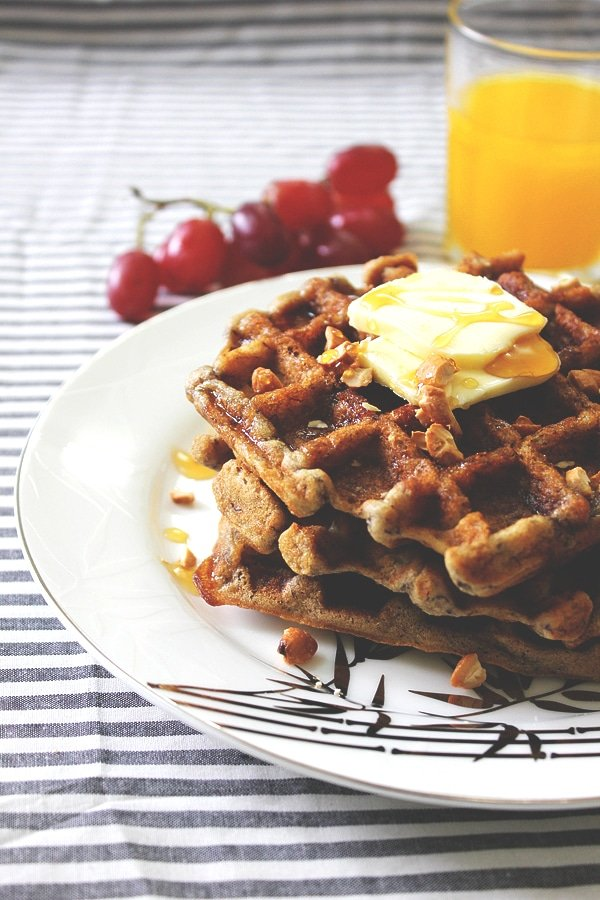 eggless banana cinnamon waffles 4