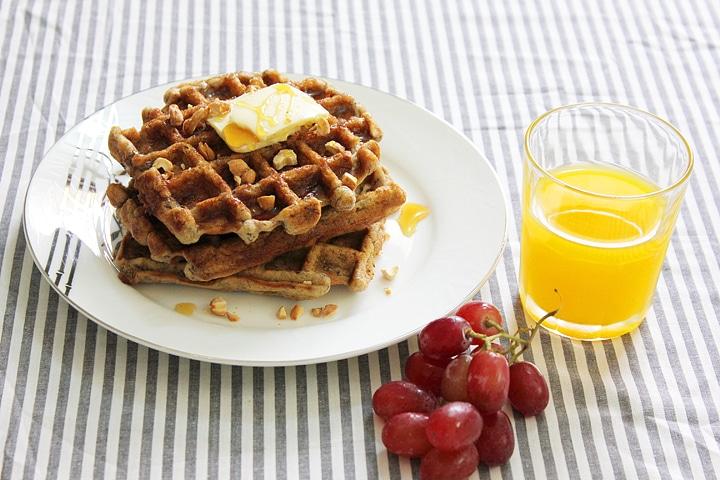 eggless banana cinnamon waffles 8