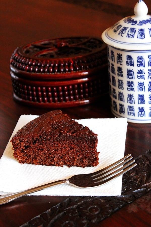 Light chocolate cake slice