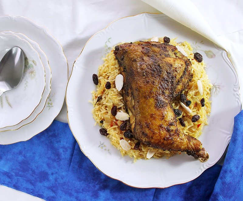 Chicken Mandi. Yemeni chicken mandi is a popular dish in Yemen and other Arab countries. Learn how to make chicken mandi in your kitchen using the stove and oven. Fluffy delicious rice served with tender perfectly seasoned chicken. www.munatycooking.com | @munatycooking