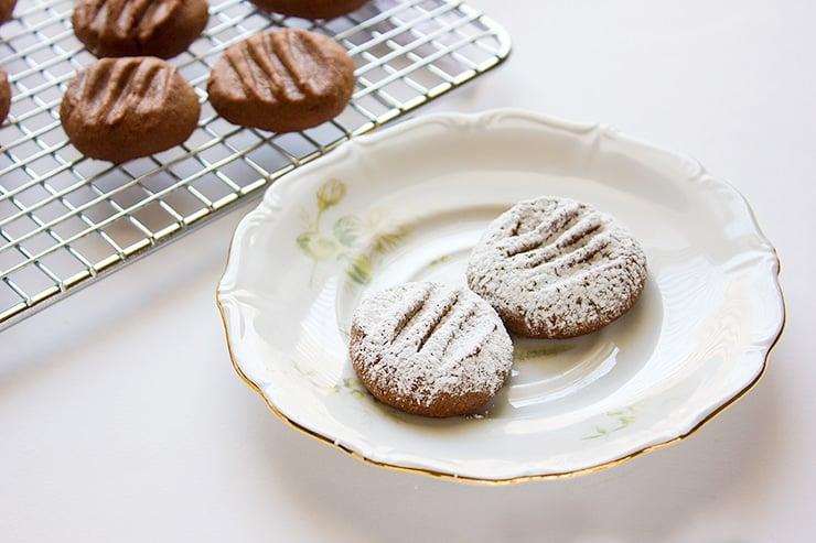chocolate melting moments side image