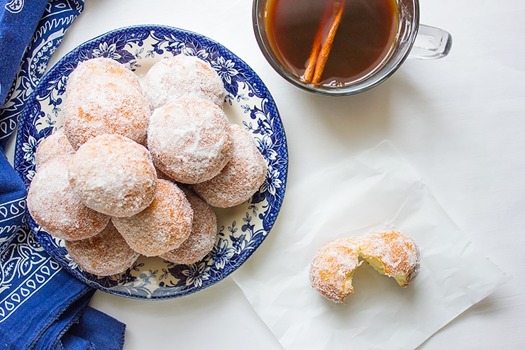 mozzarella filled sweet doughnuts 1