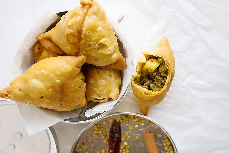 Punjabi Crunchy Beef Samosa, the Samosa filling is spiced beef. This Indian snack recipe will become your favorite. Learn how to make Crunchy Beef Samosa. www.munatycooking.com | @munatycooking