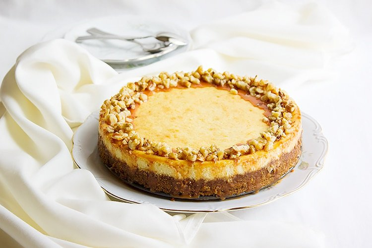 vanilla Cheesecake with Butterscotch Sauce 1