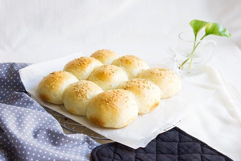 pillow soft dinner rolls 1