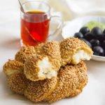 simit a turkish bagel.