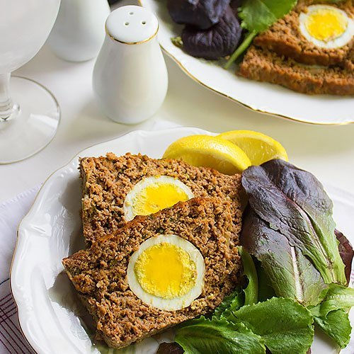 Meatloaf. This recipe for a moist and flavorful meatloaf, you won't need to cover it with sauce, it is juicy and you can convert the leftover into a burger and I'll show you how. www.munatycooking.com | @munatycooking #meatloaf.