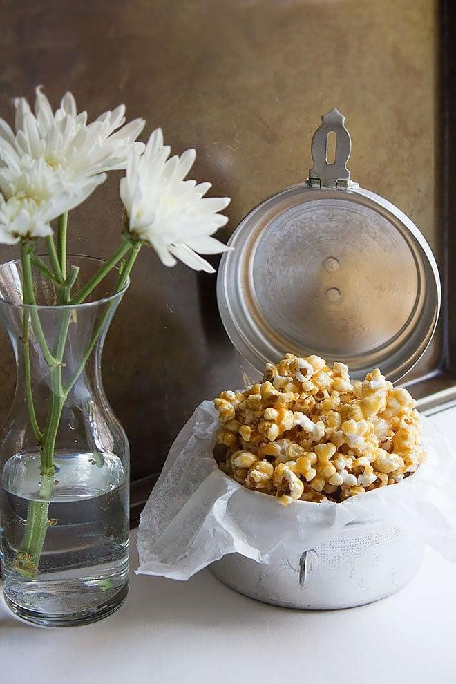 easy caramel popcorn 1