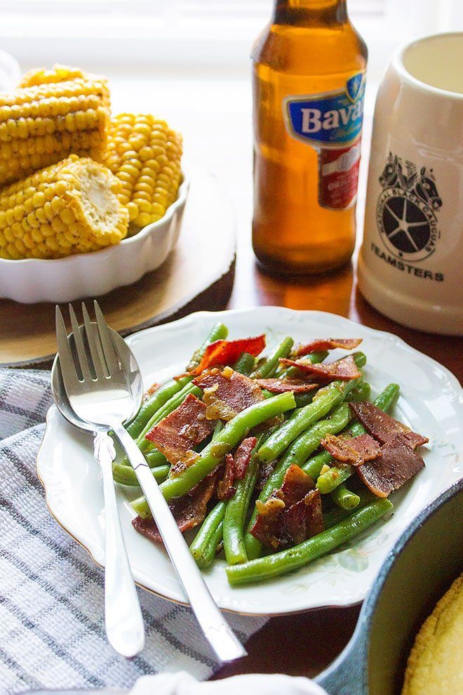 Green Beans with Turkey Bacon. A delicious side dish, little garlic, little onion, and is insanely satisfying. Learn how to blanch the green beans and maintain a good crunch. www.munatycooking.com | @munatycooking