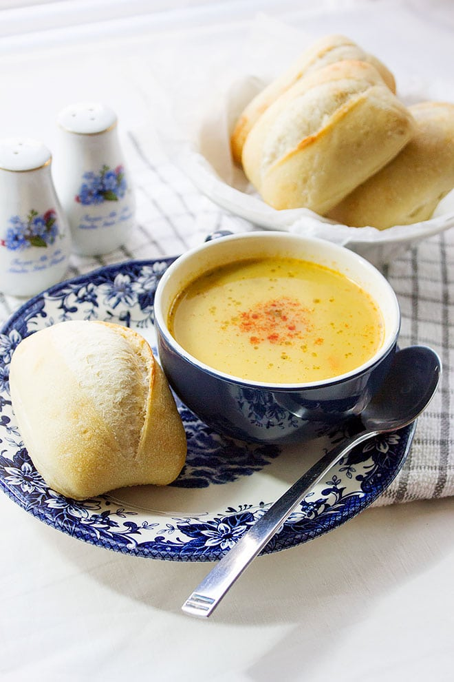 Lentil Vegetable Soup. A healthy and delicious soup, it hardly takes 18 minutes to make. A great way to include vegetables in your diet. Kid approved recipe and is perfect with rolls on the side. #AD #Sponsored. www.munatycooking.com | @munatycooking @pepperidgefarm