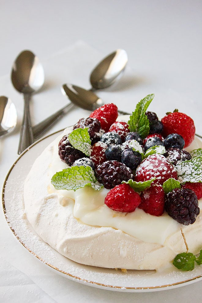 Pavlova recipe made easy with easy to follow steps.