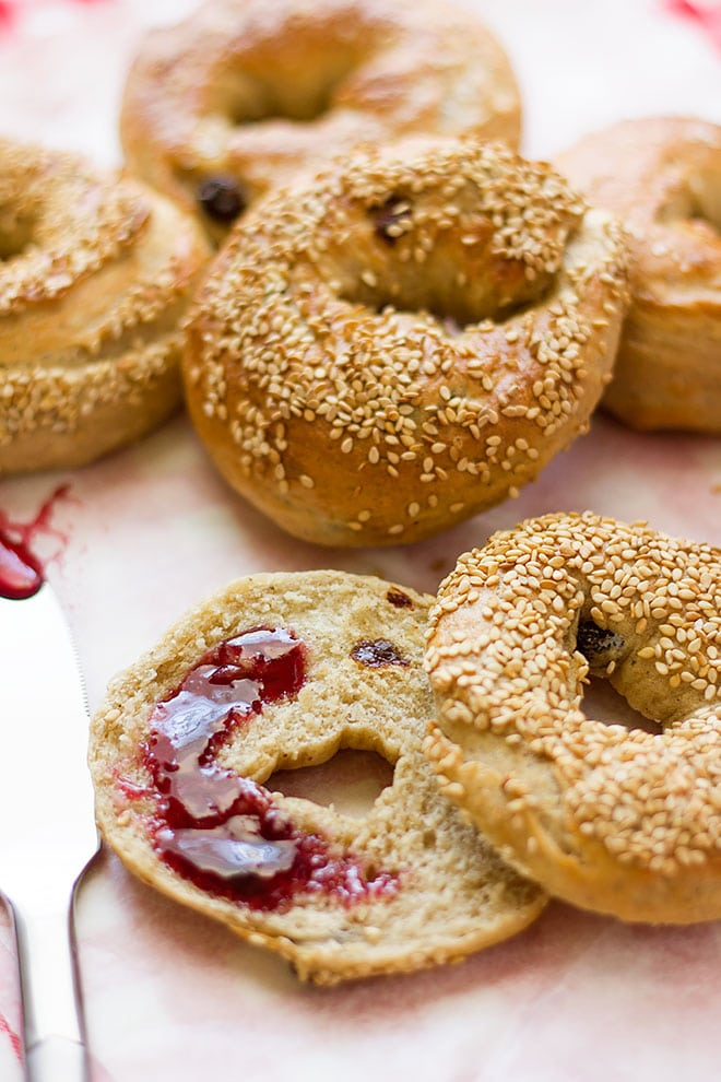 Bagel. Homemade delicious bagel recipe. No eggs used. Perfect quick breakfast. www.munatycooking.com | @munatycooking #bagelrecipe #bagel