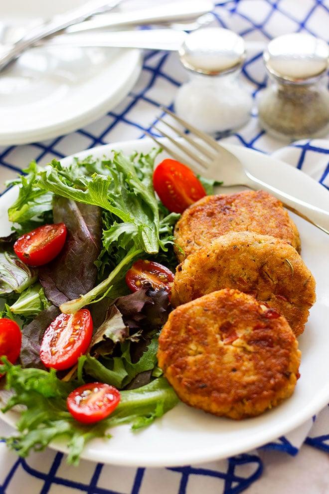 Salmon Patties Easy Recipe Munaty Cooking