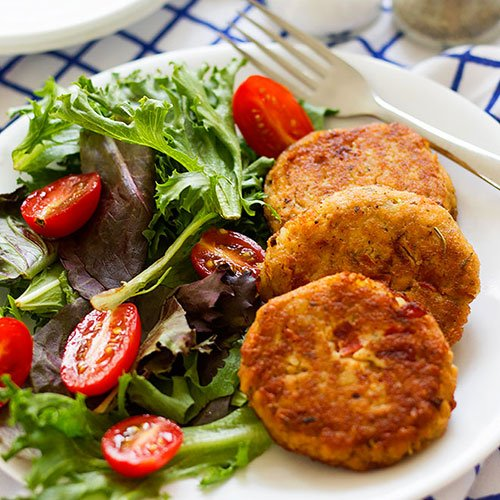 feature image for salmon patties post.
