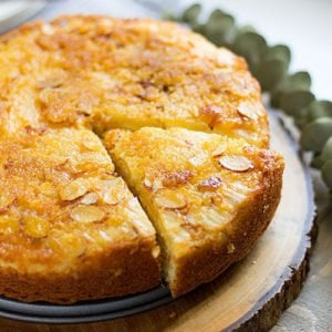 Feature image for lemon cake recipe post