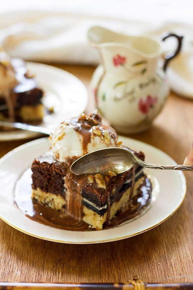vanilla ice cream on slutty brownies.