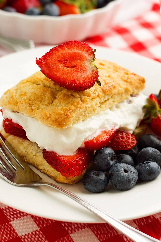 Close up shot strawberry shortcake recipe. #shortcake #strawberry #dessertrecipe