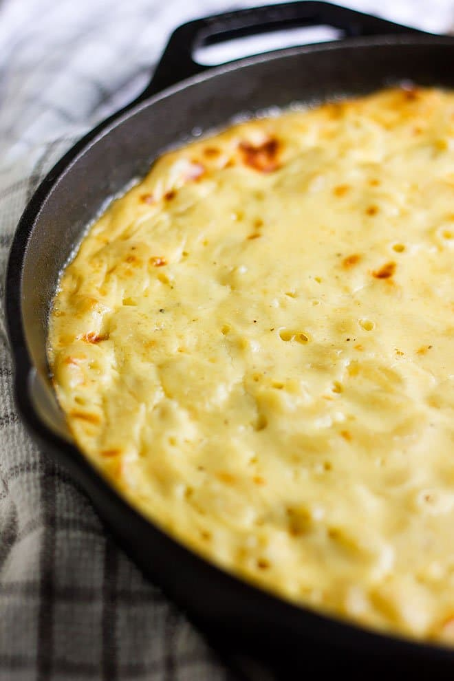 Baked mac and cheese freshly baked and out of the oven. #macandcheese #pastarecipe