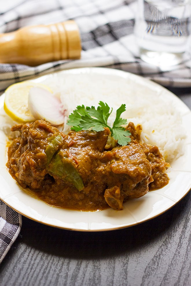Seasoned gravy with Indian Pickle spices. Achari gosht.