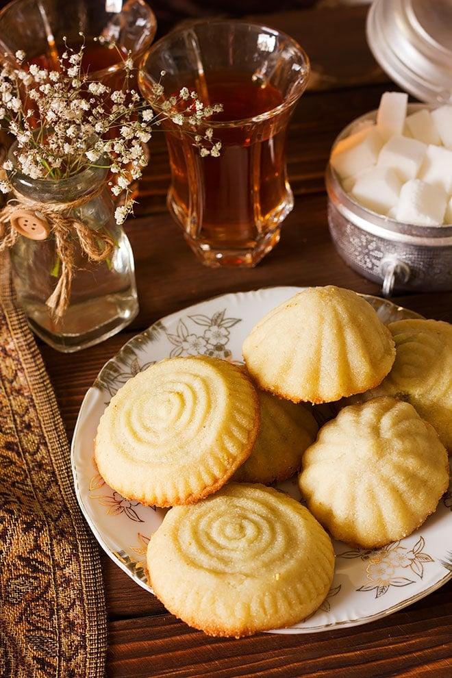 Maamoul Arabian cookies served with tea.