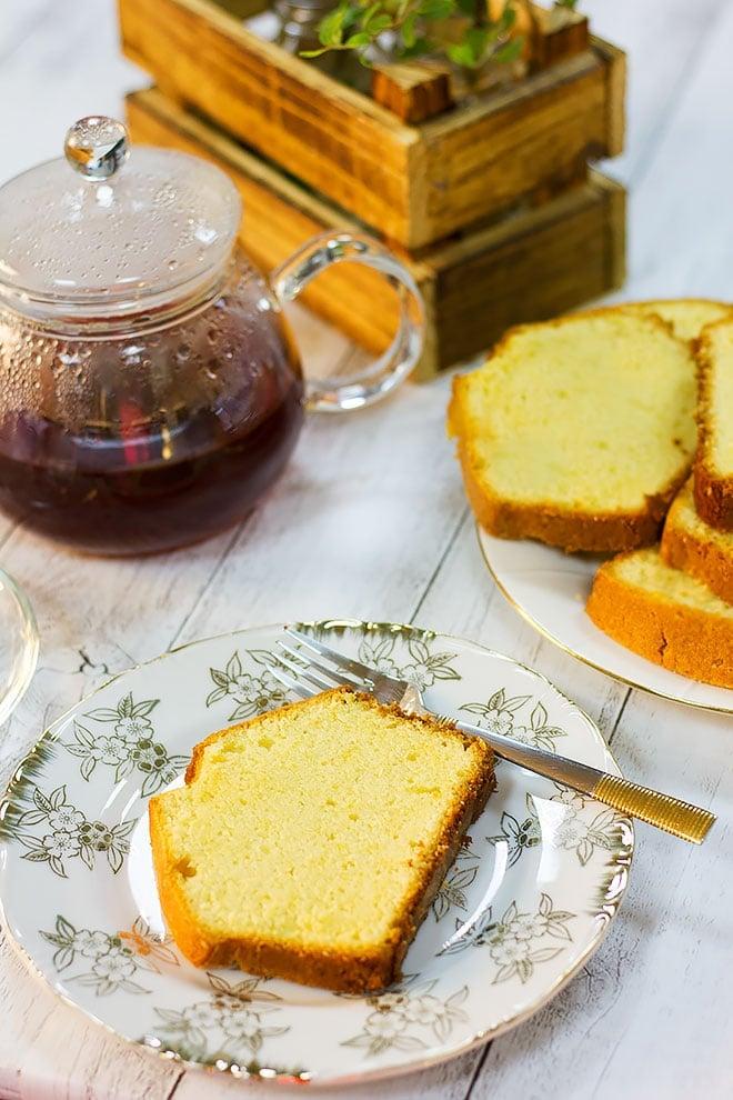 Pound cake slice served with tea.