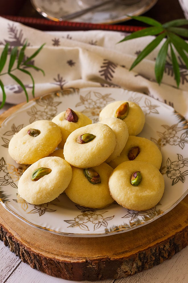 Soft and melt in your mouth ghraybeh cookies.