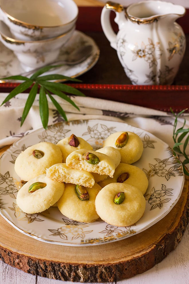 Close up image of ghorayebah cookies.